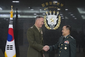 Marine Corps Gen. Joseph F. Dunford Jr., chairman of the Joint Chiefs of Staff, shakes hands with his Republic of Korea counterpart, Army Gen. Lee Soon-Jin, at the South Korean Joint Chiefs of Staff Headquarters in Seoul, Nov. 1, 2015. DoD photo by Navy Petty Officer 2nd Class Dominique A. Pineiro