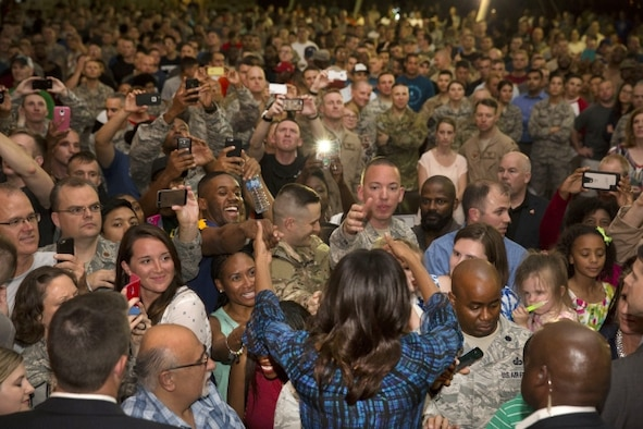 First Lady Michelle Obama greets U.S. service members following remarks at Al Udeid Air Base in Qatar, Nov. 3, 2015. White House photo by Amanda Lucidon