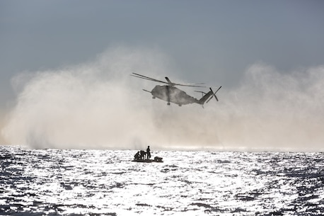 Marines with Company A, 1st Reconnaissance Battalion, 1st Marine Division, insert into the ocean from a CH-53E Super Stallion with Marine Heavy Helicopter Squadron-465, during helocast training off the coast of Marine Corps Base Camp Pendleton, Calif., Nov. 6, 2015. Helocasting allows Marines to swiftly and stealthily insert from a helicopter into any body of water in order to then utilize Combat Rubber Raiding Craft to conduct amphibious beach reconnaissance and raids. (Official Marine Corps photo by Cpl. Will Perkins)