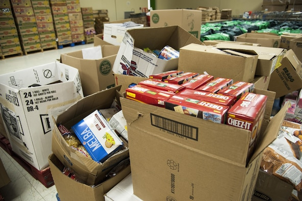 Laughlin stocks food bank with largest donation yet for Loaves and fishes food pantry