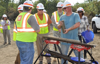 Fort Worth District rig operator takes core samples near Lewisville Lake.