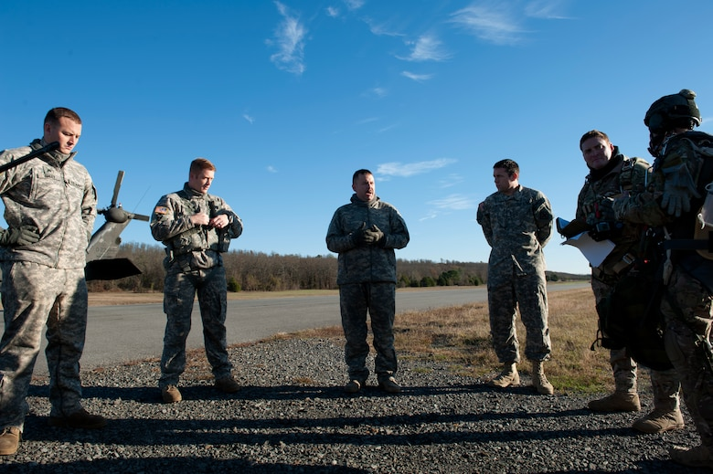 SERE specialists conduct military free-falls > Little Rock Air Force