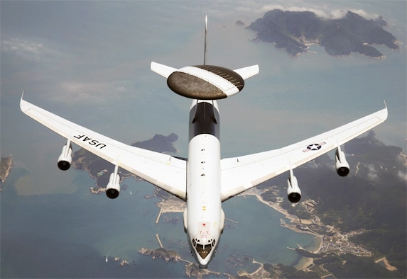 "An E-3G ""Sentrry"" Airborne Warning and Control System aircraft patrols the skies over the U.S. on a recent homeland defense mission. (U.S. Air Force photo)"