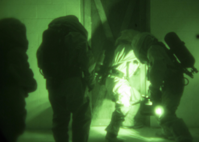 reserve marines conduct advanced cbrn training > marine corps hi res photo
