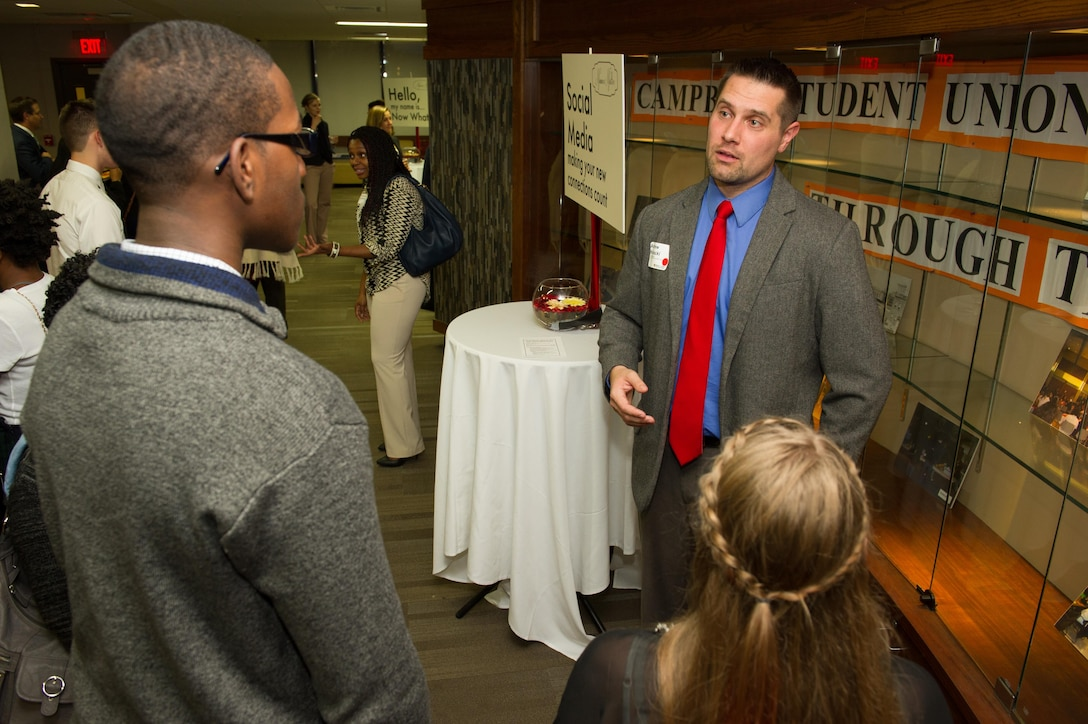 U.S. Army Corps of Engineers, Buffalo District Public Affairs Officer, Andrew Kornacki gives students an education on good social media tactics and techniques (photo courtesy of SUNY Buffalo State College).