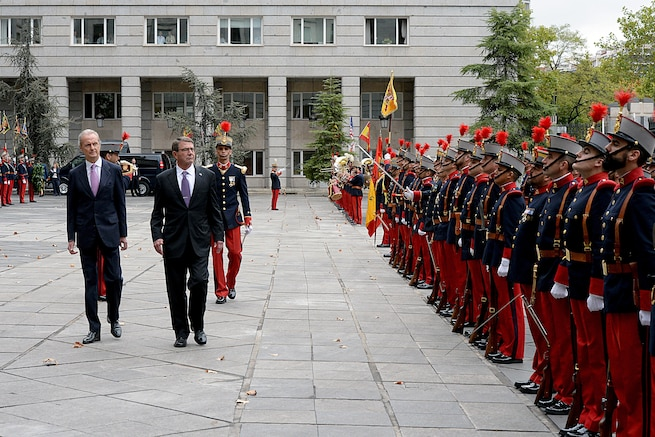 U.S. Defense Secretary Ash Carter, second from left, and Spanish Defense Minister Pedro Morenes inspect troops before an honors and wreath-laying ceremony in Madrid, Oct. 5, 2015. Carter is on a five-day trip to Europe to attend the NATO Defense Ministerial Conference in Brussels, Belgium, and to meet with counterparts in Spain, Italy and the United Kingdom. DoD photo by U.S. Army Sgt. 1st Class Clydell Kinchen