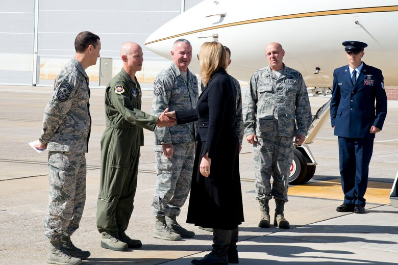 MARTINSBURG, W.Va.-- Secretary of the Air Force Deborah Lee James shakes hands with Col. Shaun J. Perkowski, commander of the 167th Airlift Wing in Martinsburg, W.Va. James visited the 167th to learn about their recent mission conversion to the C-17 Globemaster and the West Virginia Air National Guard.  Launching the first C-17 mission less than three months after the first aircraft arrival, unit members discussed new opportunities and capabilities for the Total Force. James also met with wing Airmen to address questions about the future of the Air Force and Air National Guard.  (U.S. Air National Guard photo by Staff Sgt. Jodie Witmer /Released)