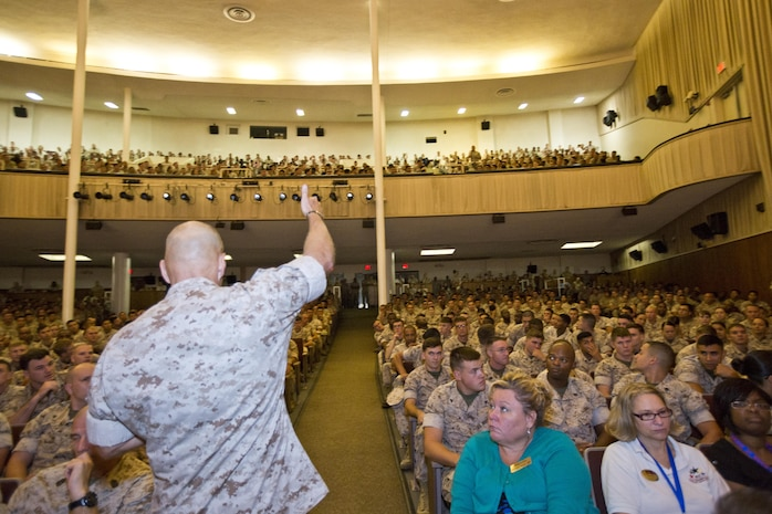 Commandant of the Marine Corps, Gen. Robert B. Neller, gives a thumbs up to a Marine at Camp Lejeune, N.C., Oct. 8, 2015. Neller visited Marines, Sailors and civilians to outline the Corps current priorities, expectations, listen and answer questions during his Lejeune visit. (U.S. Marine Corps photo by Sgt. Gabriela Garcia/Released)