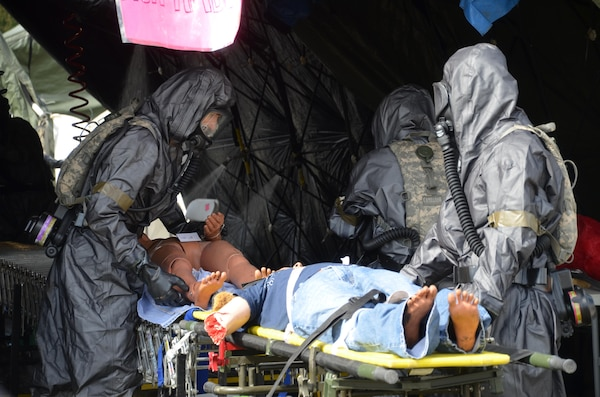 388th CBRN Soldiers train with local first responders, children ...