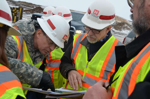 Maj. Gen. John Peabody, Mississippi Valley Division commander, left, and Bill Csajko, project management,
