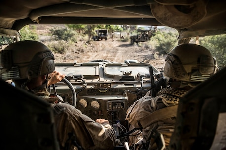 ARTA RANGE FACILITY, Djibouti (Oct. 7, 2015) U.S. Marines with the 15th Marine Expeditionary Unit's Force Reconnaissance Detachment, clear a simulated enemy stronghold during a desert survival and tactics course alongside the French 5th Overseas Combined Arms Regiment (RIAOM). Elements of the 15th MEU trained with the 5th RIAOM in Djibouti in order to improve interoperability between the MEU and the French military. (U.S. Marine Corps photo by Sgt. Emmanuel Ramos/Released)