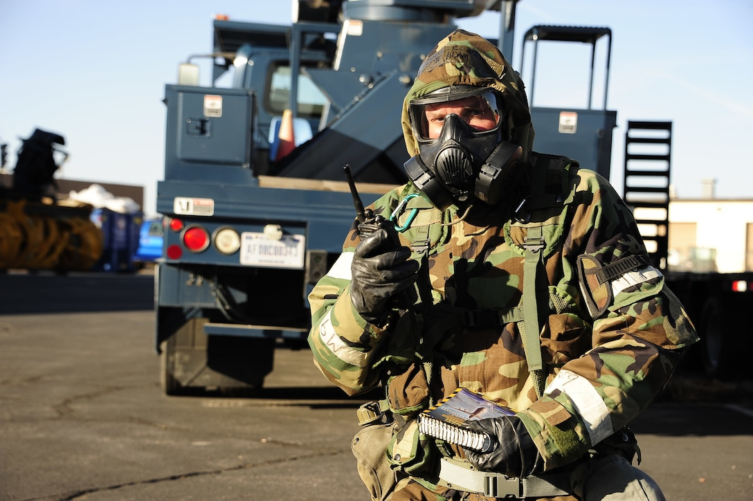 Colorado Air National Guard Staff Sgt. Darrell Linkus, EOD operator, 140th Civil Engineer Squadron, conducts Post Attack Reconnaissance sweeps at Buckley Air Force Base, Colo., Oct. 17, 2015. The 140th Wing is conducting a four-day wartime readiness inspection as part of the new Air Force Inspection System to assess the wing's ability to perform their combat missions. (U.S. Air National Guard photo by Tech. Sgt. Nicole Manzanares)