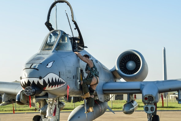 A U.S. Air Force pilot steps out of an A-10 Thunderbolt II attack aircraft shortly after arriving at Incirlik Air Base, Turkey Oct. 15, 2015. The 12 A-10 Thunderbolt IIs are deployed to Incirlik AB in support of Operation Inherent Resolve. The aircraft is deployed to Incirlik AB in an effort to enhance the international Coalition against ISIL. (U.S. Air Force photo by Airman 1st Class Cory W. Bush/Released)
