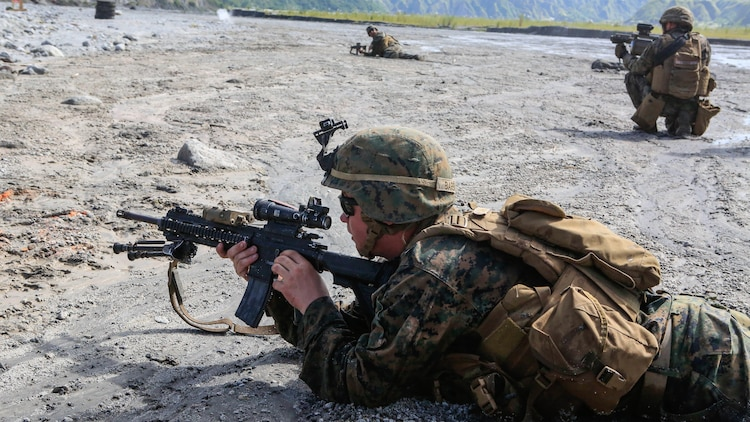 Philippine Marines and U.S. Marines participate in live-fire training at Crow Valley, Philippines, Oct. 6, 2015. Philippine Marines with 31st Marine Company, Marine Battalion Landing Team 1, Armed Forces of the Philippines, and the U.S. Marines with Battalion Landing Team 2nd Battalion, 5th Marines, 31st Marine Expeditionary Unit, are training side by side as part of Amphibious Landing Exercise 2015, an annual bilateral training exercise conducted by members of the Armed Forces of the Philippines alongside U.S. Marine and Navy Forces.