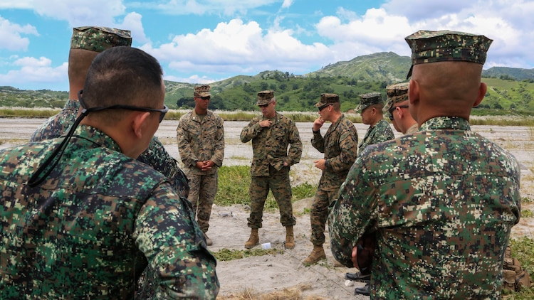 U.S. Marine Brig. Gen. Paul Kennedy, commanding general of 3rd Marine Expeditionary Brigade, speaks with Philippine Marines and U.S. Marines prior to live-fire training at Crow Valley, Philippines, Oct. 6, 2015 Philippine Marines with 31st Marine Company, Marine Battalion Landing Team 1, Armed Forces of the Philippines, and the U.S. Marines with Battalion Landing Team 2nd Battalion, 5th Marines, 31st Marine Expeditionary Unit, are training side by side as part of Amphibious Landing Exercise 2015, an annual bilateral training exercise conducted by members of the Armed Forces of the Philippines alongside U.S. Marine and Navy Forces.