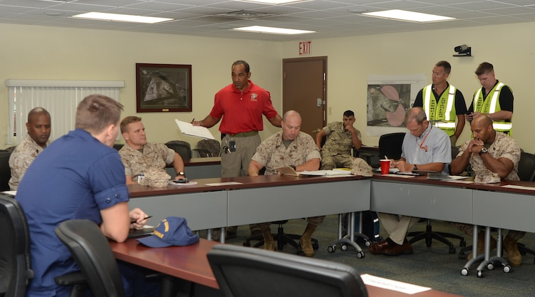 Blount Island Officials Eoc Team Achieve Thumbs Up From Exercise Evaluators Marine Corps Logistics Base Albany News Article Display