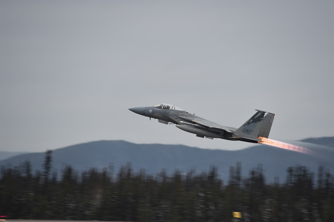 A F-15C Eagle, piloted by 1st Lt. Johnathan Pavan from the 144th Fighter Wing out of Fresno, Calif., takes off from 5 Wing Goose Bay, Canada, while participating in exercise Vigilant Shield 16 Oct. 20, 2015. From Oct 15-26, approximately 700 members from the Canadian Armed Forces, the U.S. Air Force, U.S. Navy and the U.S. Air National Guard are deploying to Iqaluit, Nunavut, and 5 Wing Goose Bay, Newfoundland Labrador, for Vigilant Shield 16. (U.S. Air National Guard photo/Senior Master Sgt. Chris Drudge)