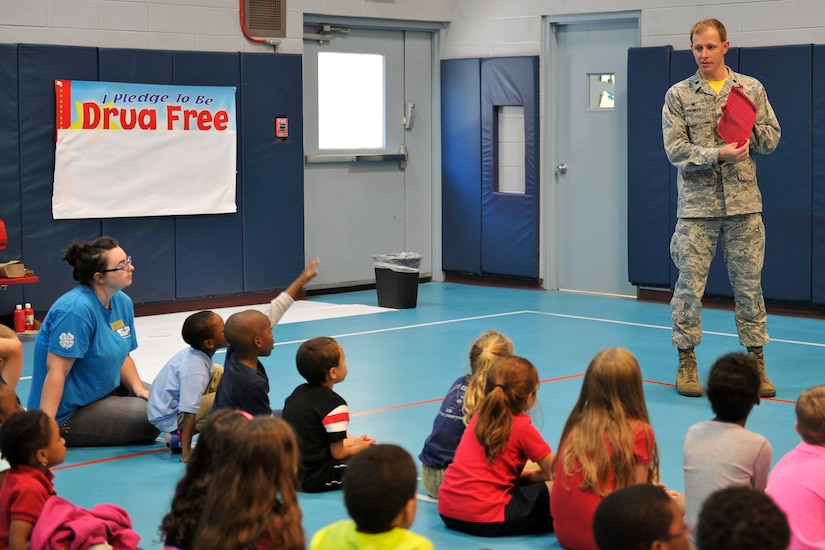 Lt. Col. Ralph Thomas, 628th Mission Support Group deputy commander, reads a proclamation encouraging drug free living at the youth center, Joint Base Charleston, S.C., Oct. 23, 2015. Over 20 children took an oath to be drug free at this annual Red Ribbon Week kick-off ceremony. (U.S. Air Force photo/Tech. Sgt. Renae Pittman)
