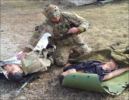 A pararescue jumper from the 123rd Special Tactics Squadron uses BATDOK in a mass casualty training exercise. (Courtesy photo/711th Human Performance Wing, Human Effectiveness Directorate)