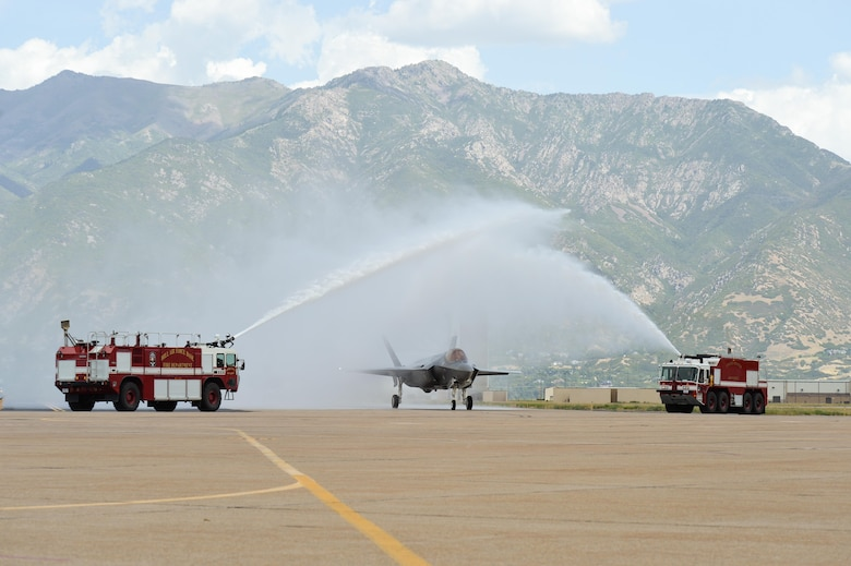 The first two operational F-35A Lightning II aircraft arrive at Hill Air Force Base, Utah, Sept. 2, 2015. The jets were piloted by Col. David Lyons, 388th Fighter Wing commander, and Lt. Col. Yosef Morris, 34th Fighter Squadron director of operations. Hill will receive up to 70 additional combat-coded F-35s on a staggered basis through 2019. The jets will be flown and maintained by Hill Airmen assigned to the active-duty 388th Fighter Wing and its Reserve component 419th Fighter Wing. (U.S. Air Force photo by Alex R. Lloyd)