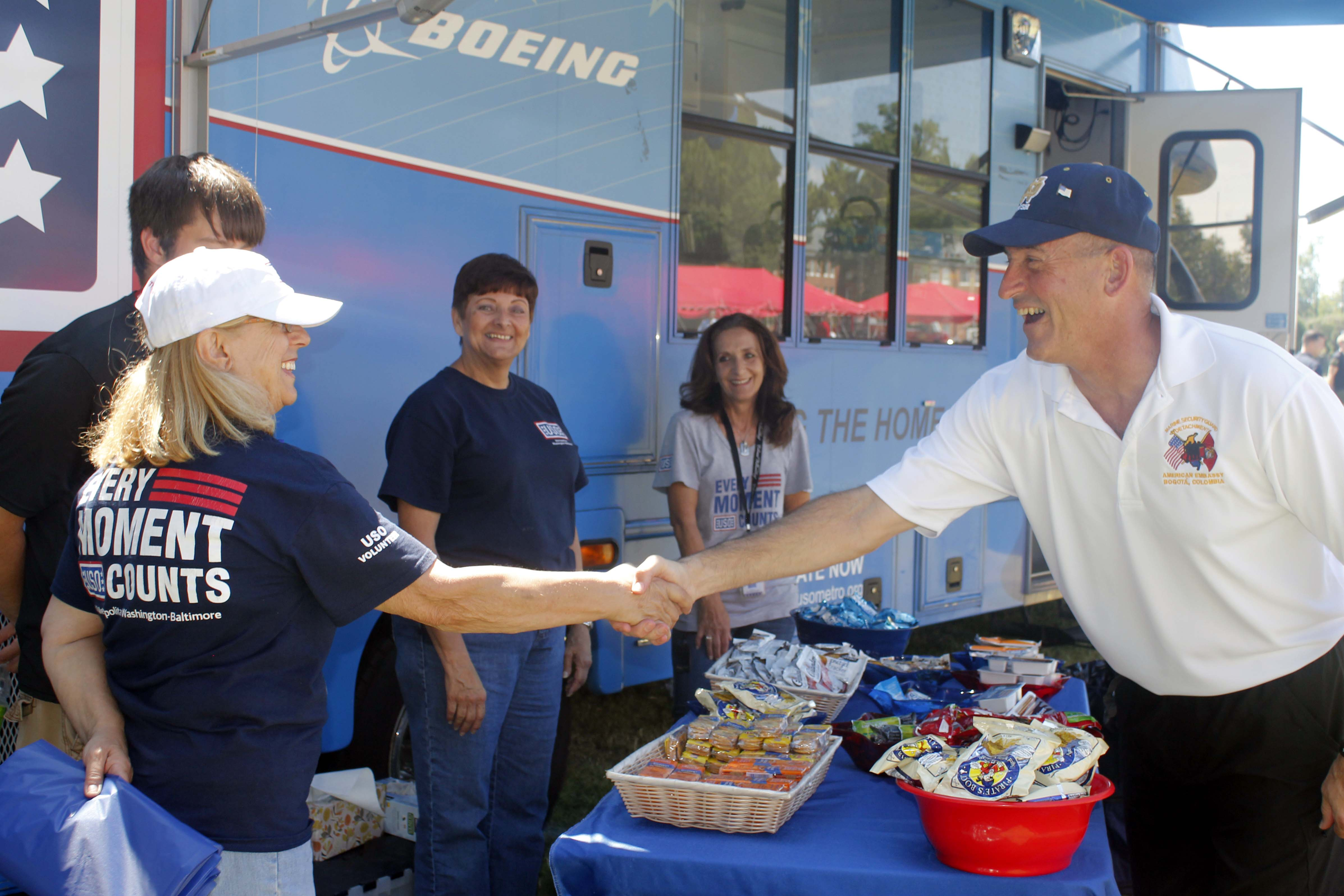 TECOM fires up the grill for family day > Marine Corps