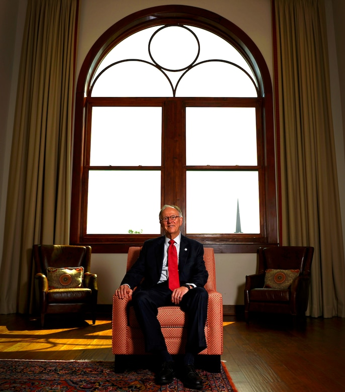 Inside Mansion Of Kirkwood: Spirit Of The City: Airman Turns Mayor > Shaw Air Force