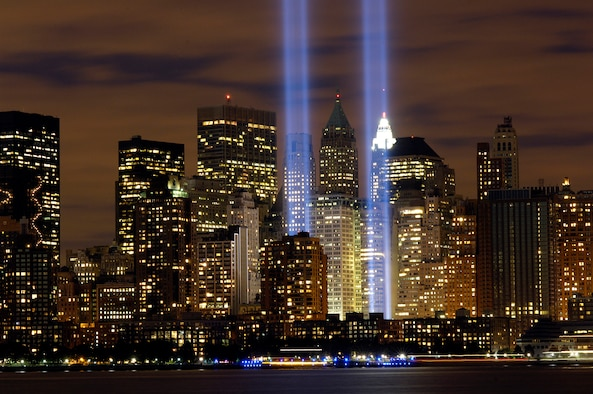 "The ""Tribute in Light"" memorial is in remembrance of the events of Sept. 11, 2001, in honor of the citizens who lost their lives in the World Trade Center attacks. The memorial was first held in March 2002. This photo was taken from Liberty State Park, N.J., on Sept. 11, 2006, the five year anniversary of 9/11. (U.S. Air Force photo/Denise Gould)"