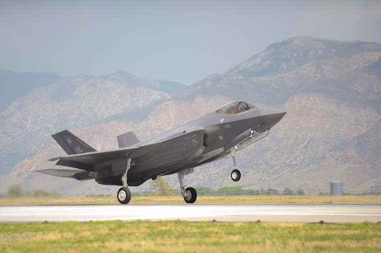 An F-35A Lightning II aircraft piloted by Col. David Lyons, the 388th Fighter Wing commander, touches down at Hill Air Force Base, Utah, Sept. 2, 2015. This and another fighter jet piloted by Lt. Col. Yosef Morris, the 34th Fighter Squadron director of operations, were the first two operational F-35s received at the base. The rest of the fleet of up to 72 F-35s are slated to arrive on a staggered basis through 2019. (U.S. Air Force photo/Todd Cromar)