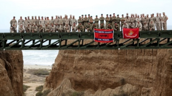 u s  marines  british royal engineers construct medium