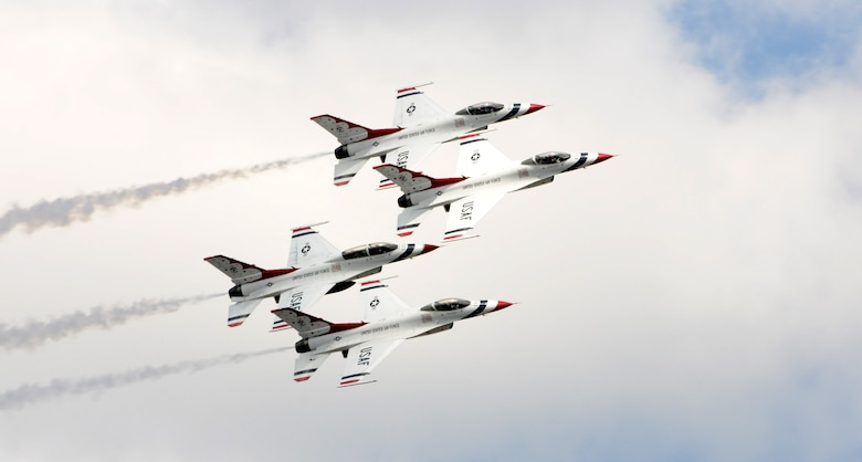 The USAF Thunderbirds air demonstration team performs a diamond formation above Joint Base Andrews, Md., as part of the Andrews Air Show Sept. 18. (U.S. Air National Guard photo by Master Sgt. Craig Clapper)