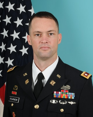 Army Lt. Col. Ryan D. Fearnow has been awarded the Defense Meritorious Service Medal for his achievements while serving as commander, Defense Logistics Agency Distribution Corpus Christi, Texas.