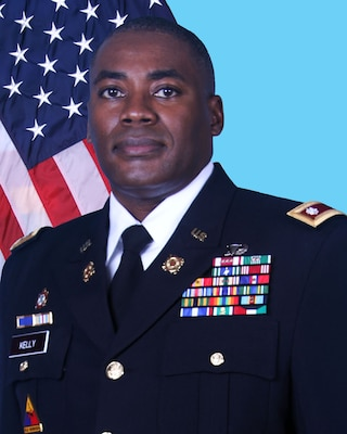 Army Lt. Col. Milton G. Kelly has been awarded the Defense Meritorious Service Medal for his achievements while serving as commander, Defense Logistics Agency Distribution Red River, Texas.