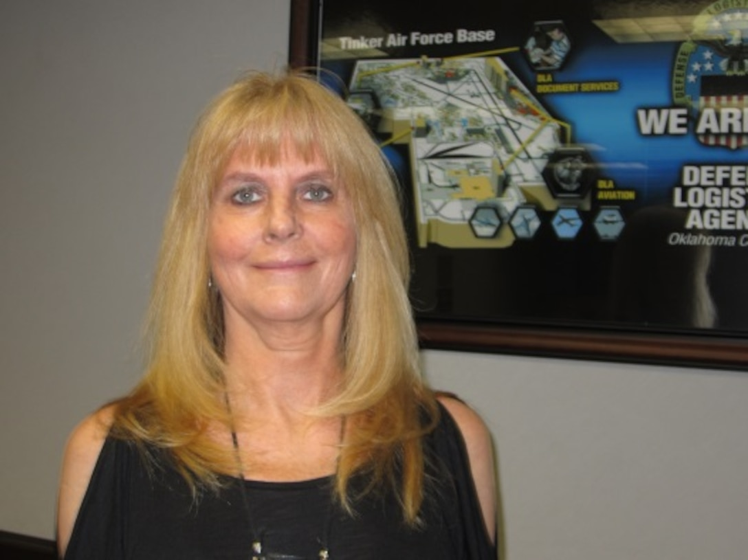 Bikki Queen, administrative assistant at DLA Distribution Oklahoma City, Okla., won Clerical/Administrative Assistant Employee of the Year at the 2015 Public Service Recognition Awards.