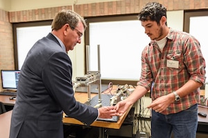 Defense Secretary Ash Carter, left, visits the Rehabilitation and Neuromuscular Robotics Lab at the University of Texas at Austin, March 31, 2016. DoD photo by U.S. Army Sgt. 1st Class Clydell Kinchen