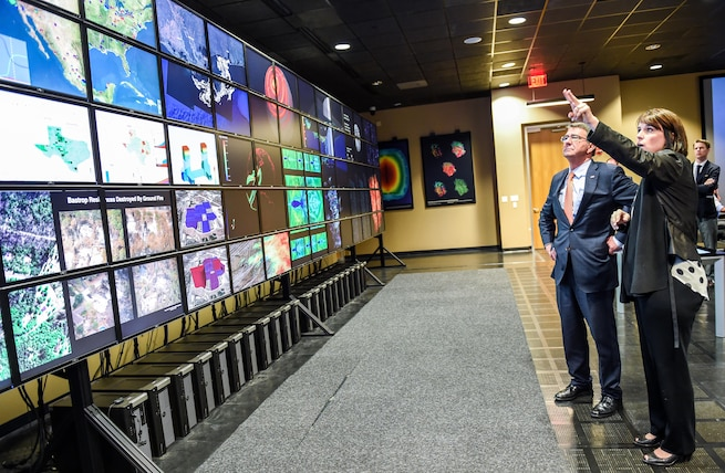 Defense Secretary Ash Carter tours the Texas Advanced Computing Center and Visualization Lab during a visit to the University of Texas at Austin, March 31, 2016. DoD photo by Army Sgt. 1st Class Clydell Kinchen
