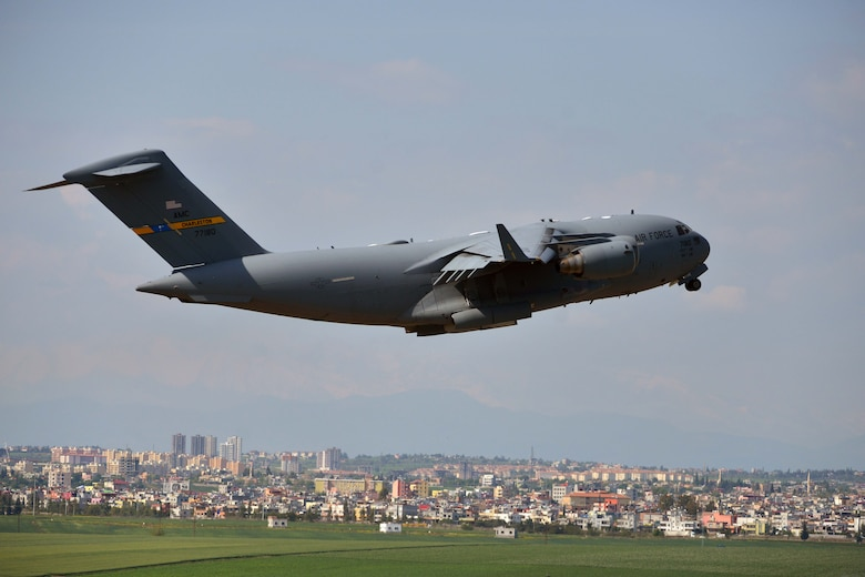 A C-17 Globemaster III takes off from Incirlik Air Base, Turkey, March 30, 2016. On March 29, 2016, the secretary of defense, in coordination with the secretary of state, ordered the departure of all Defense Department dependents assigned to Incirlik AB. (U.S. Air Force photo/Senior Airman John Nieves Camacho)