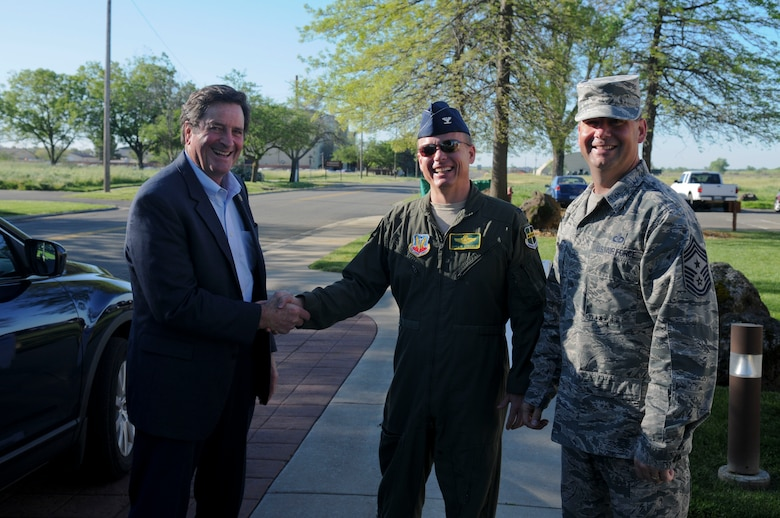 Congressman John Garamendi greets Col. Christopher Stricklin, 9th Reconnaissance Wing vice commander (center), and Chief Master Sgt. Randy Kwiatikowski, 9th RW command chief (right) on Beale Air Force Base, California, Apr. 06, 2016. Garamendi met with Beale leadership to discuss electrical infrastructure and wastewater projects. (U.S. Air Force photo by Senior Airman Michael J. Hunsaker)