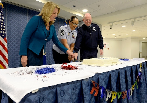 Air Force Secretary Deborah Lee James, Master Sgt. Kandi Costa and Lt. Gen. James F. Jackson, the Air Force Reserve chief and commander of Air Force Reserve Command, cut a cake to mark the Reserve's 68th birthday April 14, 2016, in the Pentagon. (U.S. Air Force photo/Scott M. Ash)