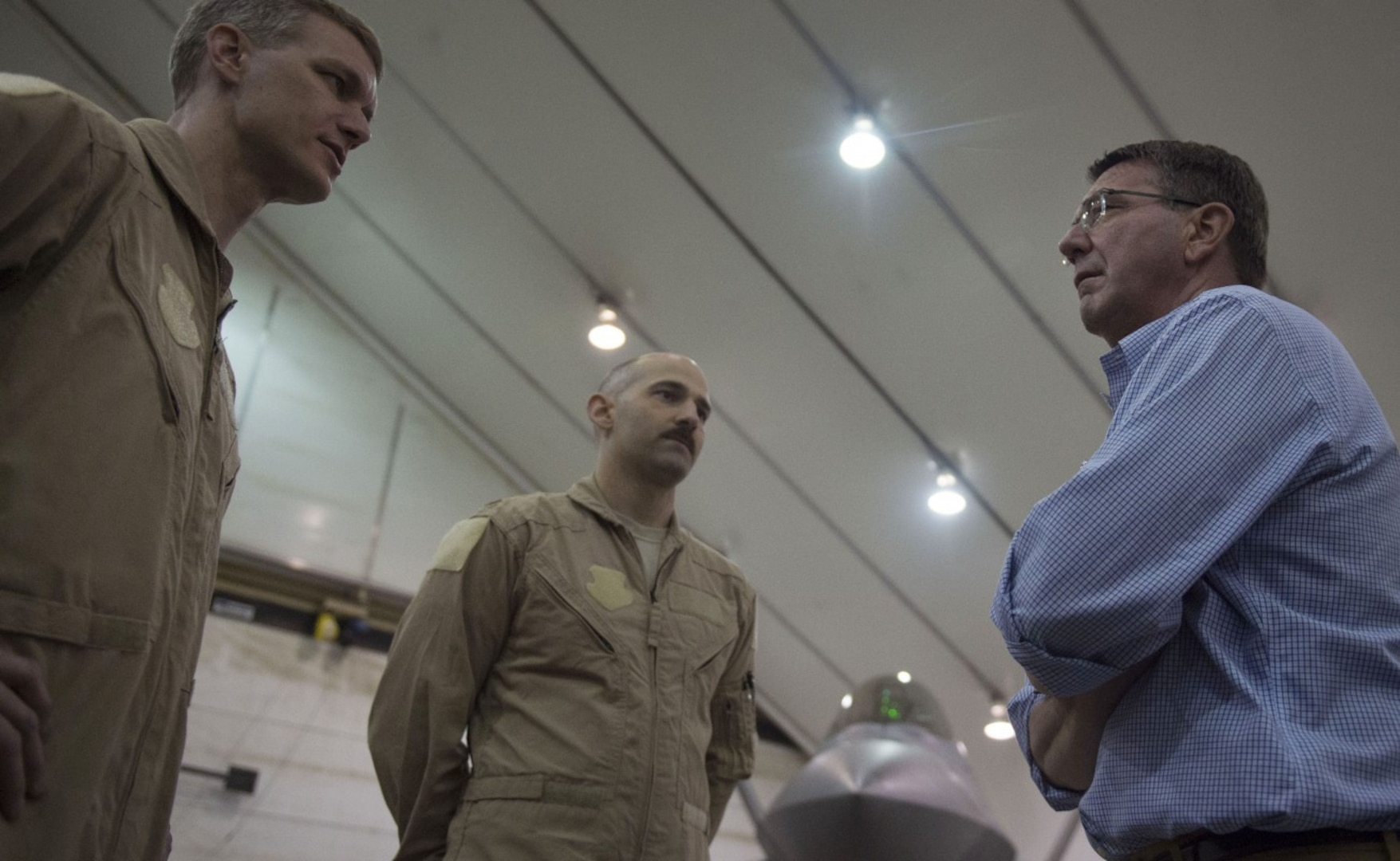 Defense Secretary Ash Carter talks to airmen during a tour of U.S. Air Force assets at Al-Dhafra Air Base in the United Arab Emirates, April 16, 2016. On his trip, Carter will visit the United Arab Emirates and Saudi Arabia to assist the lasting defeat of the Islamic State of Iraq and the Levant, and participate in the U.S. Gulf Cooperation Council defense meeting. DoD photo by Air Force Senior Ma