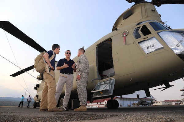 U.S. Ambassador to Panama John Feeley meets with U.S. Army helicopter crews assigned to help the Panamanian government suppress and contain a wildfire in the Darien province. U.S. Embassy photo