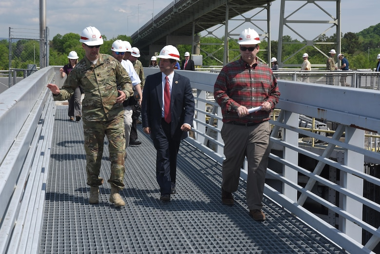 Lt. Col. Stephen Murphy, U.S. Army Corps of Engineers Nashville District commander, leads Congressman Chuck Fleischmann, Tennessee District 3, on a tour of Chickamauga Lock and construction of a new lock during a visit to the project in Chattanooga, Tenn., April 25, 2016.