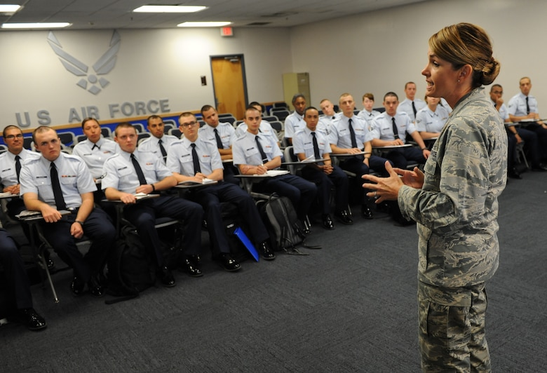 Col. Michele Edmondson, 81st Training Wing commander, welcomes non-prior service Airmen to Keesler during their in-processing at the Levitow Training Support Facility July 2, 2016, on Keesler Air Force Base, Miss. Base leadership welcomes the new Airmen every Tuesday upon their arrival from enlisted basic military training at Lackland Air Force Base, Texas. (U.S. Air Force photo by Kemberly Groue/Released)