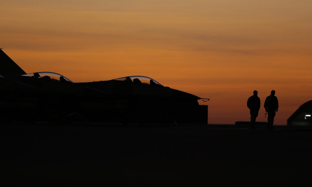 U.S. Air Force F-16s on the flightline for Exercise Pitch Black 2016 (PB16) at Royal Australian Air Force Base Darwin, Australia, Aug. 4, 2016. PB16 allows participant nations to exercise deployed units in the tasking, planning and execution of Offensive Counter Air and Offensive Air Support while utilizing one of the largest training airspace areas in the world. (Australian Defence Force photo by LSIS Jayson Tufrey)