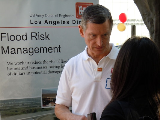 Steve Dwyer, chief, Navigation and Coastal Projects Branch, of the U.S. Army Corps of Engineers Los Angeles District speaks to job seekers at the USC Viterbi School of Engineering Job Fair February 2012.