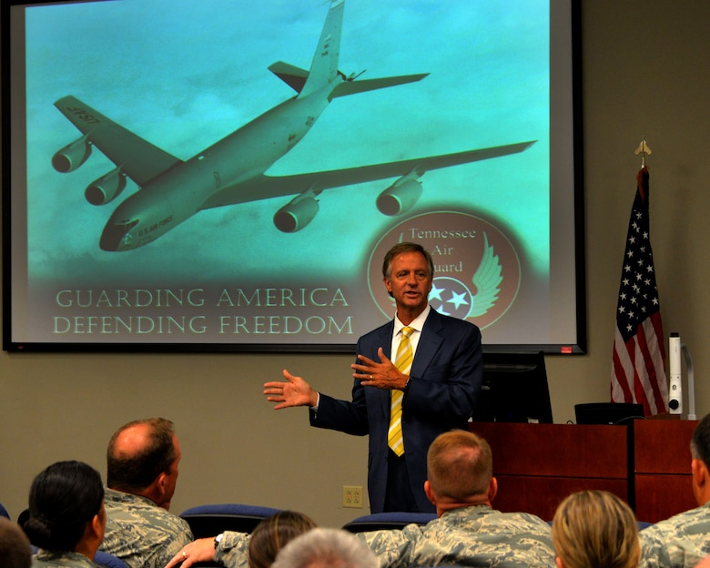Tennessee Governor Bill Haslam talks to Guardsmen of the 134th Air Refueling Wing July 27, 2016 at McGhee Tyson Air National Guard Base, Knoxville, Tenn.