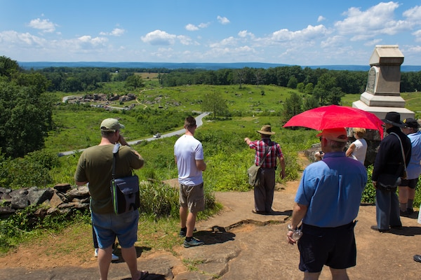 Guest historian Mike Priest details battlefield movements and the position of Union forces from Little Roundtop at Gettysburg National Battlefield.