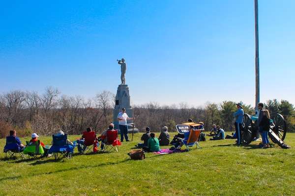 DIA analyst Greg Elder gives an intelligence and strategy briefing to staff ride participants at Barlow's Knoll on Gettysburg National Battlefield.