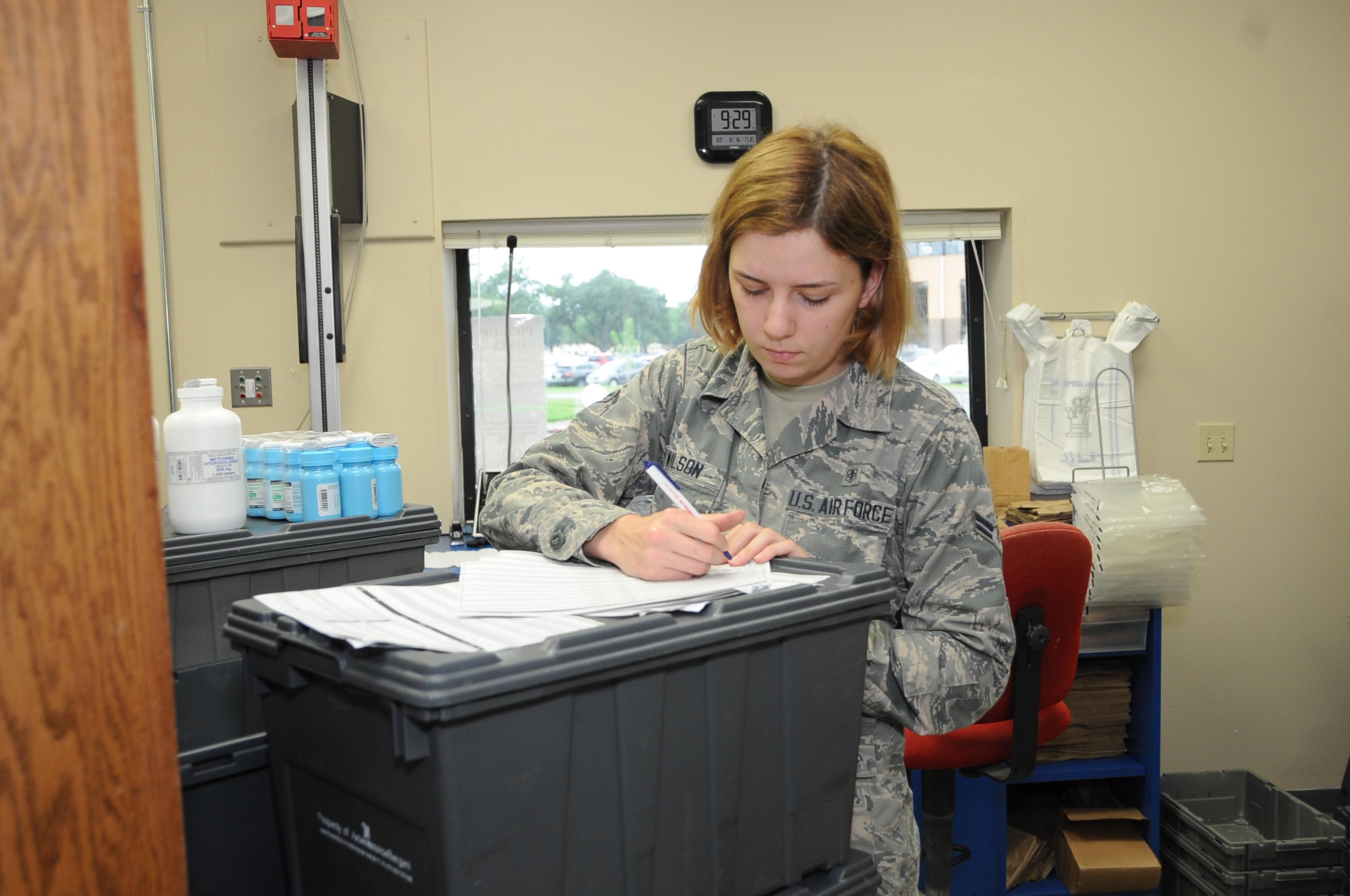 Photos – Logistics Technician