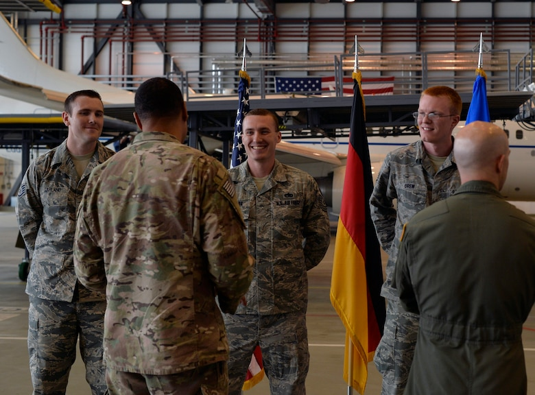 JSOAC commander recognizes Ramstein Airmen for aircraft ...