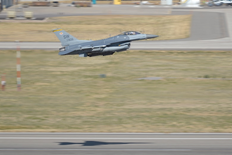 An F-16 Fighting Falcon aircraft from Shaw Air Force Base, S.C., takes off from Hill AFB, Aug. 2. Aircraft from Shaw participated in an exercise know as Combat Hammer at Hill and the Utah Test and Training Range. (U.S. Air Force photo by Todd Cromar)